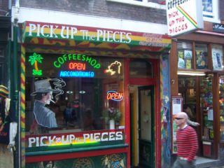 Coffeeshop in Amsterdam pick up
